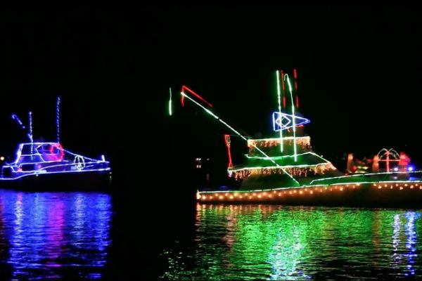 30th Annual Holiday Boat Parade - My Heathrow Florida: Experience